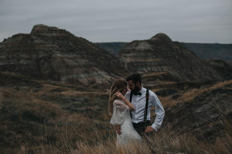 Drumheller Vow Renewal Elopement - Michelle Larmand Photography090
