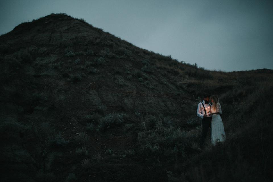 Drumheller Vow Renewal Elopement - Michelle Larmand Photography098