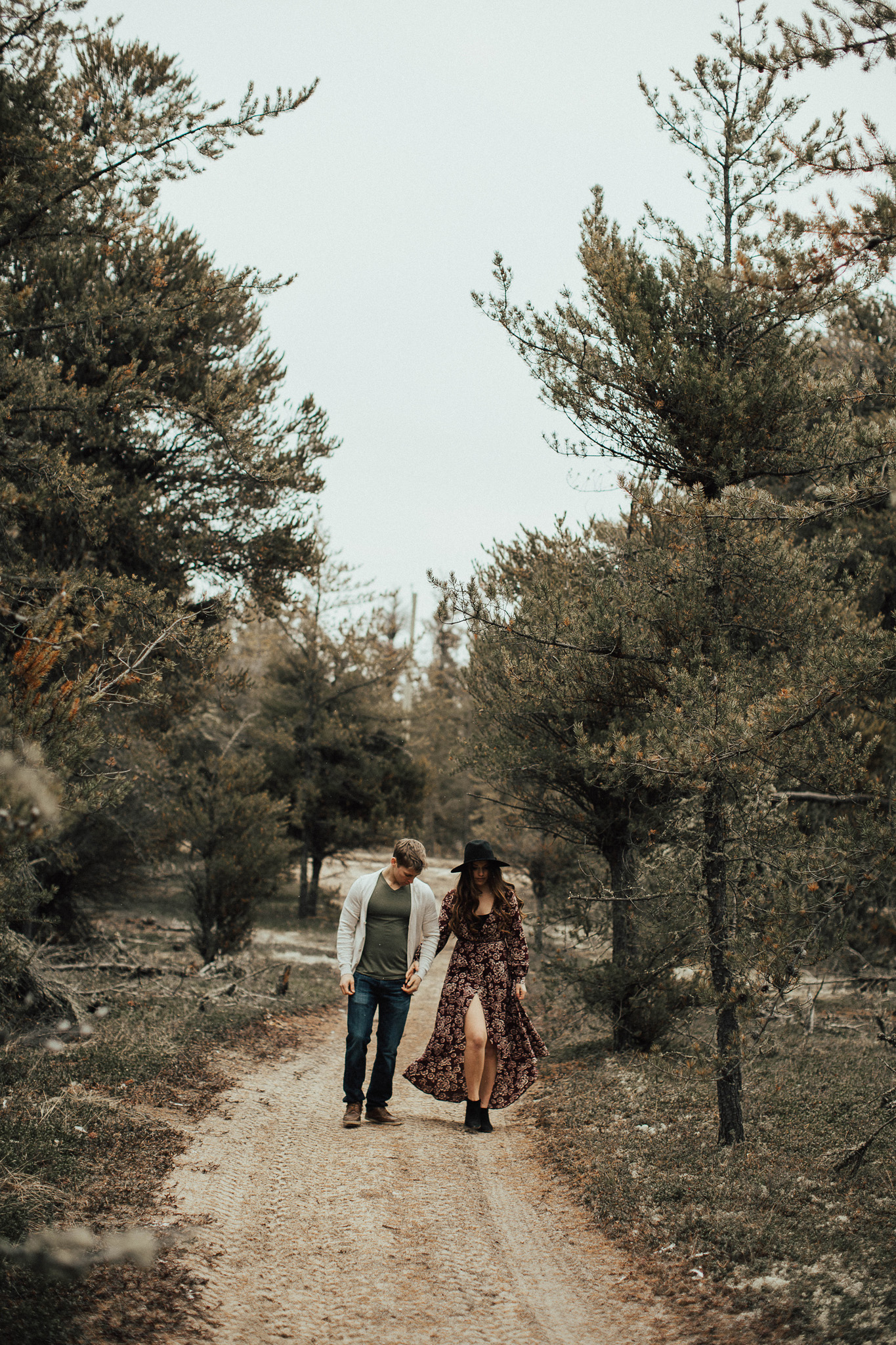 Edmonton Engagement Photographer - Michelle Larmand Photography - Mossy woods engagement session030