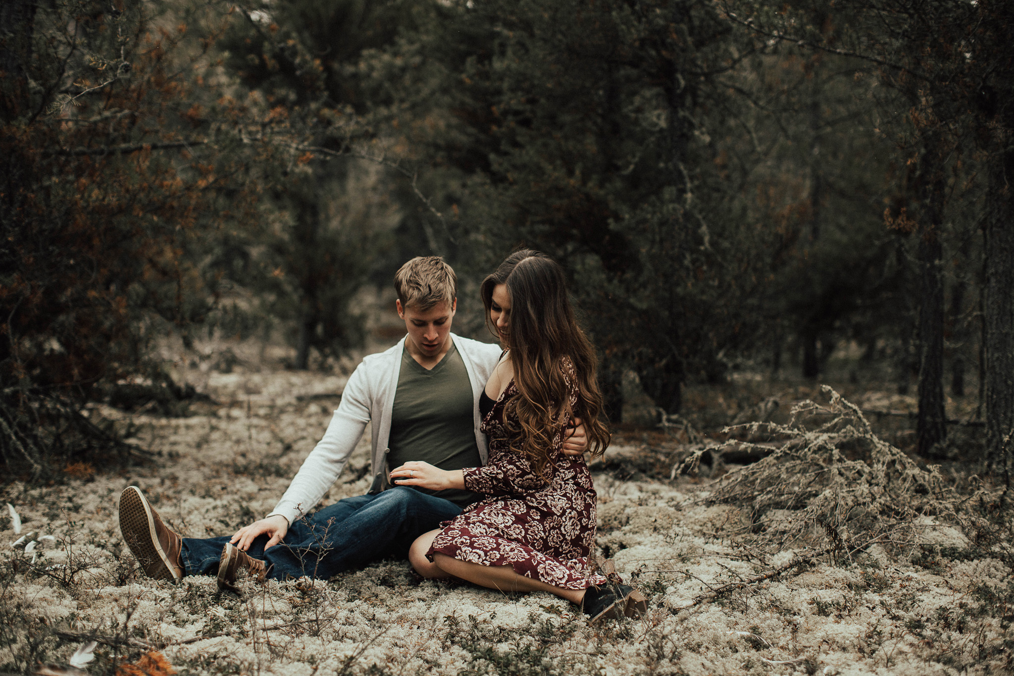 Edmonton Engagement Photographer - Michelle Larmand Photography - Mossy woods engagement session036