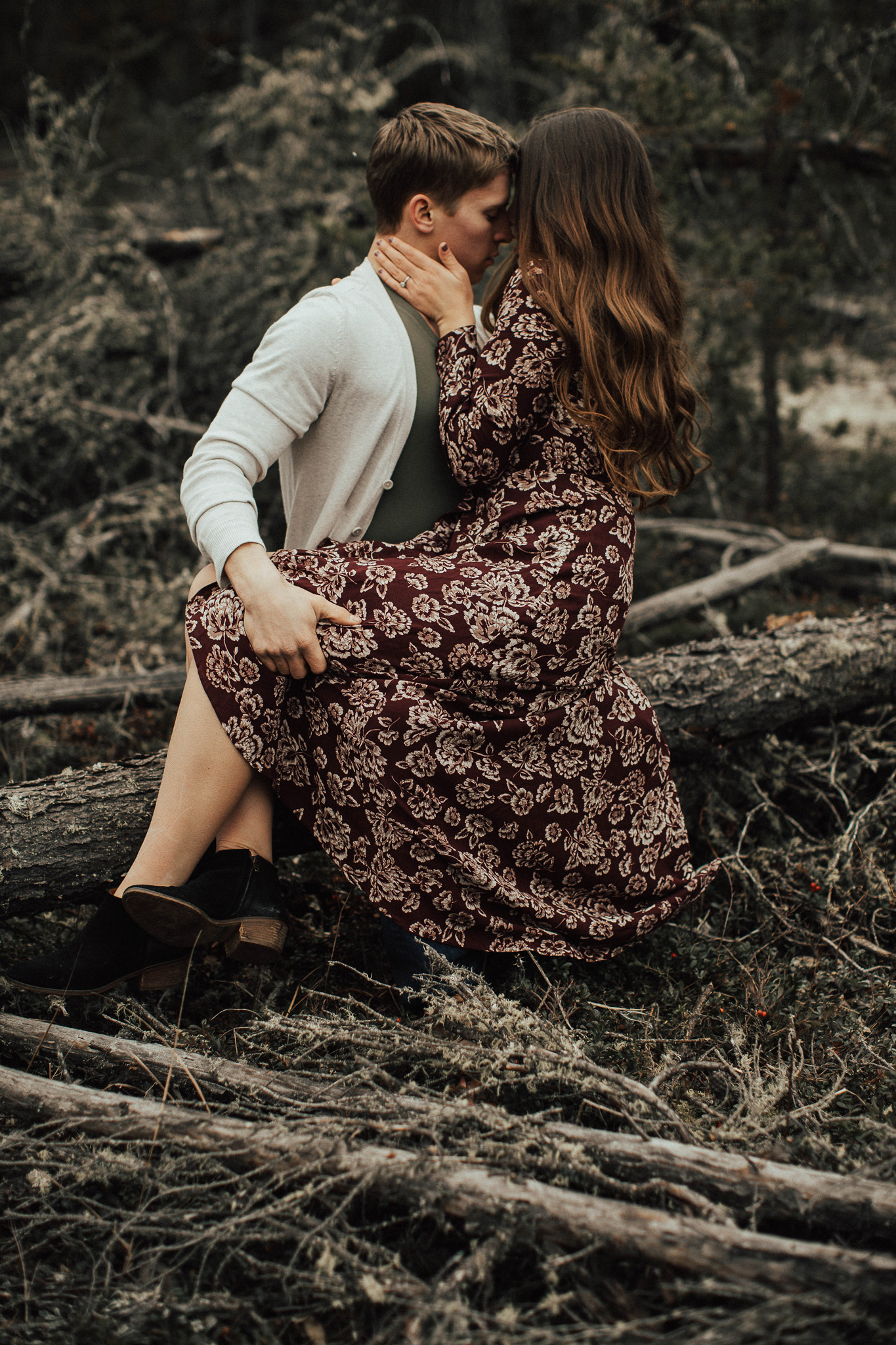 Edmonton Engagement Photographer - Michelle Larmand Photography - Mossy woods engagement session051