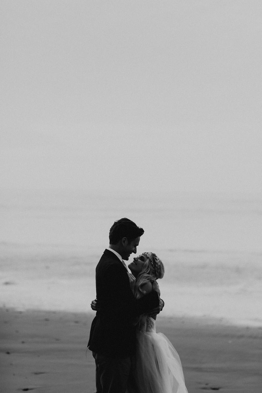 Hug Point Oregon Elopement - Michelle Larmand Photography -019