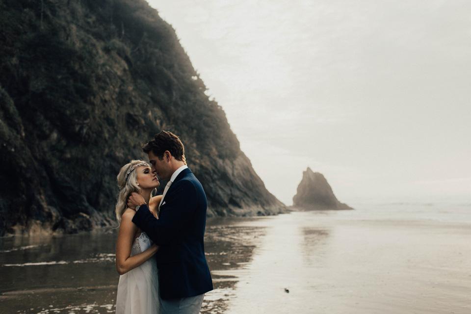 Hug Point Oregon Elopement - Michelle Larmand Photography -024