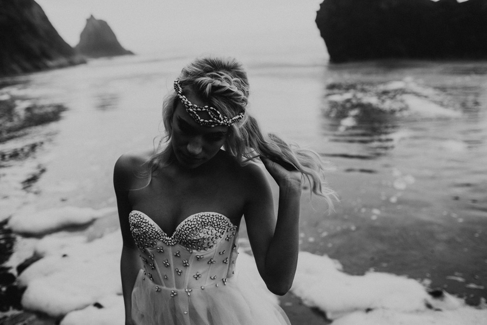Hug Point Oregon Elopement - Michelle Larmand Photography -029