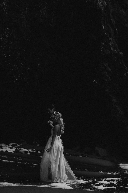 Hug Point Oregon Elopement - Michelle Larmand Photography -030
