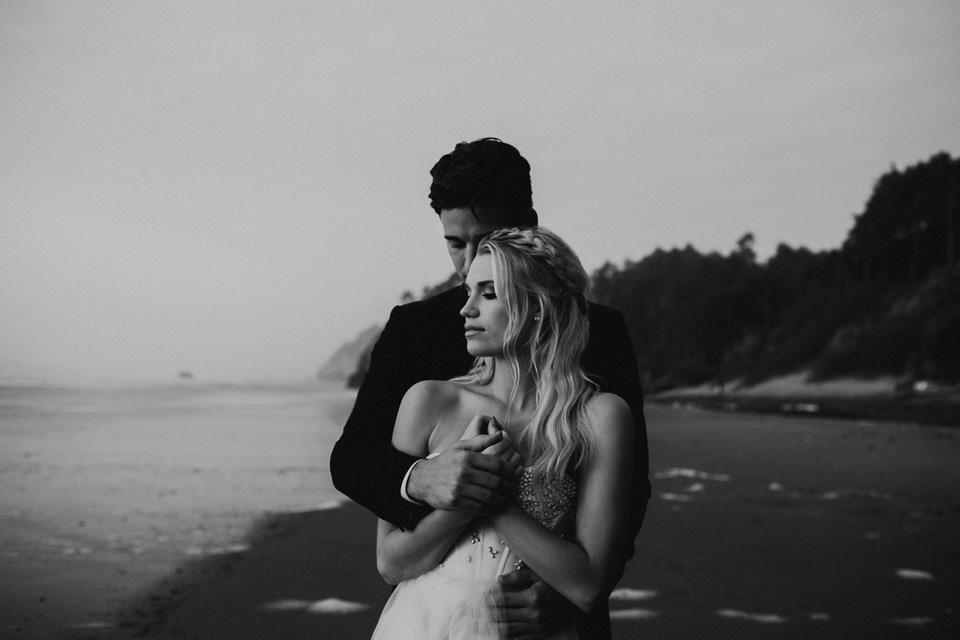 Hug Point Oregon Elopement - Michelle Larmand Photography -052