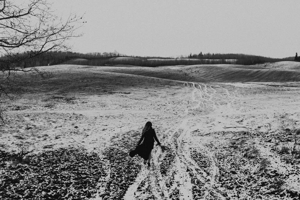 Moody Winter Bridals Edmonton Portrait and Wedding Photographer - Michelle Larmand Photography -002