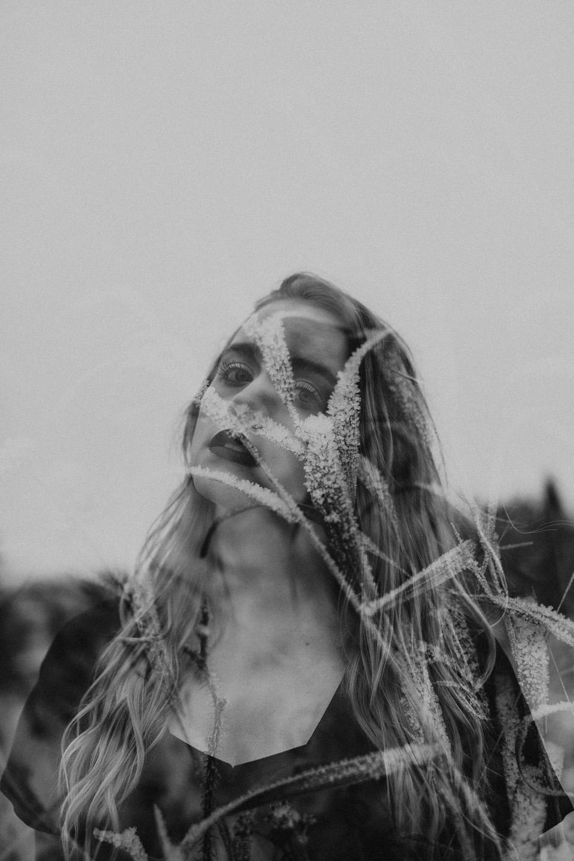 Moody Winter Bridals Edmonton Portrait and Wedding Photographer - Michelle Larmand Photography -043