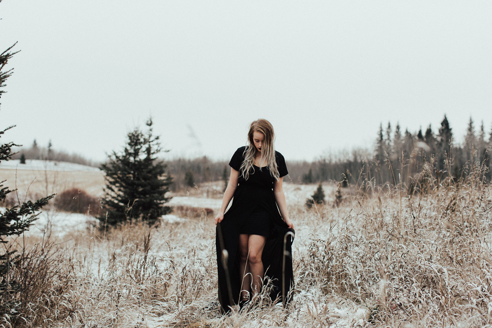 Moody Winter Bridals Edmonton Portrait and Wedding Photographer - Michelle Larmand Photography -045