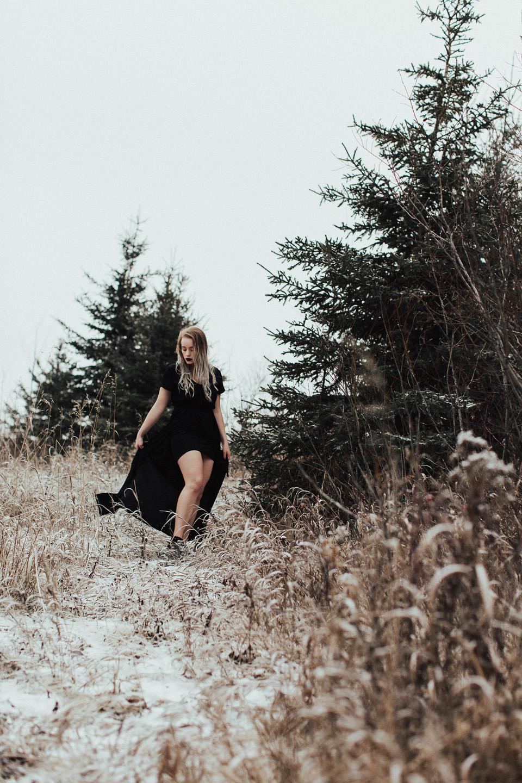 Moody Winter Bridals Edmonton Portrait and Wedding Photographer - Michelle Larmand Photography -048