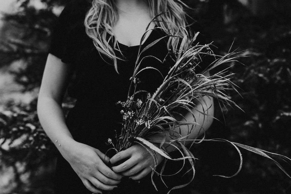 Moody Winter Bridals Edmonton Portrait and Wedding Photographer - Michelle Larmand Photography -053