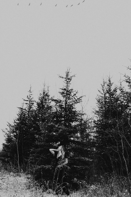 Moody Winter Bridals Edmonton Portrait and Wedding Photographer - Michelle Larmand Photography -056