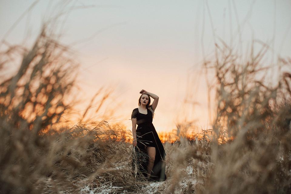 Moody Winter Bridals Edmonton Portrait and Wedding Photographer - Michelle Larmand Photography -067