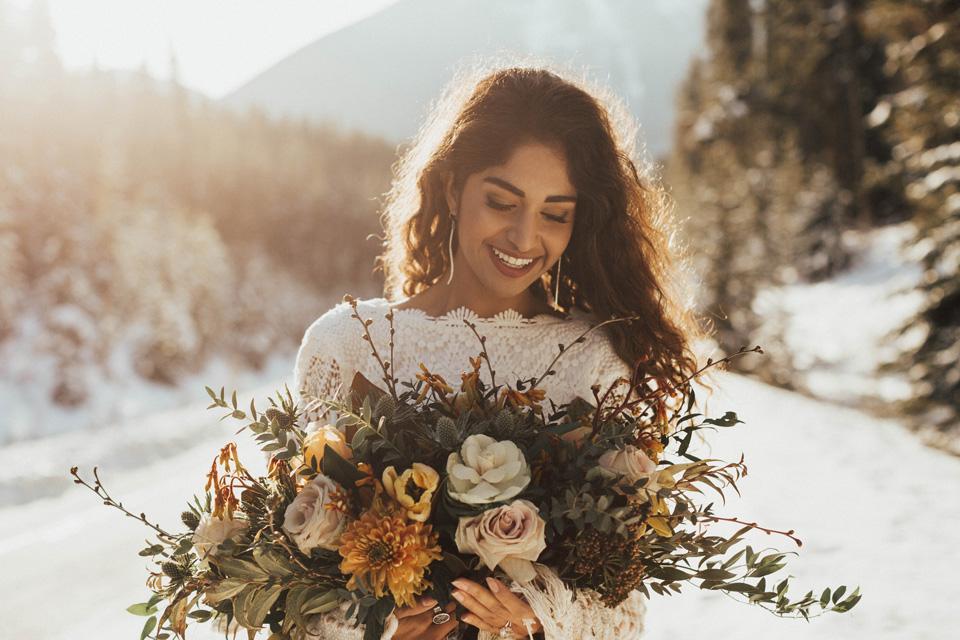 Winter Mountain Bohemain Bridal Inspiration - Michelle Larmand Photography - Banff Wedding Photography -003