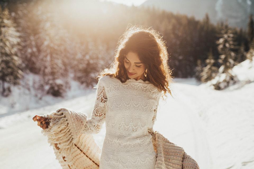Winter Mountain Bohemain Bridal Inspiration - Michelle Larmand Photography - Banff Wedding Photography -007