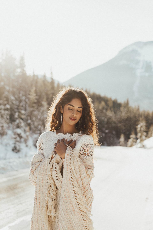 Winter Mountain Bohemain Bridal Inspiration - Michelle Larmand Photography - Banff Wedding Photography -013