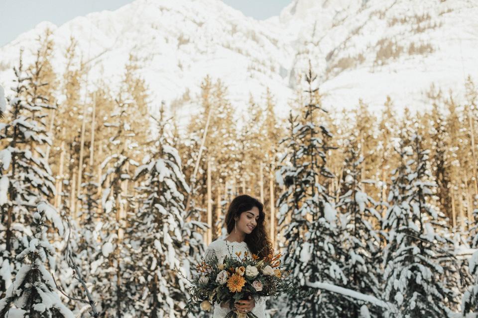 Winter Mountain Bohemain Bridal Inspiration - Michelle Larmand Photography - Banff Wedding Photography -024