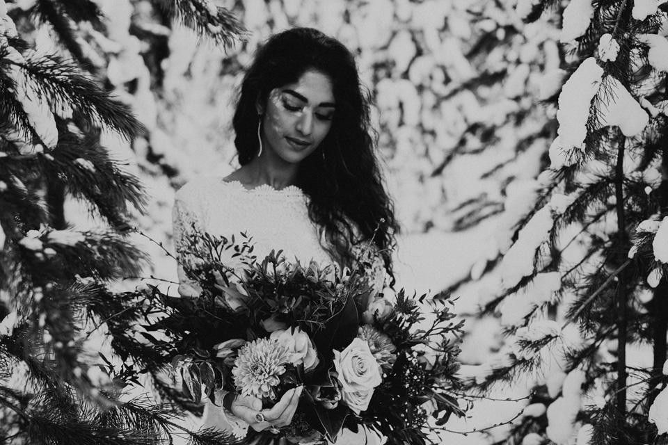 Winter Mountain Bohemain Bridal Inspiration - Michelle Larmand Photography - Banff Wedding Photography -029