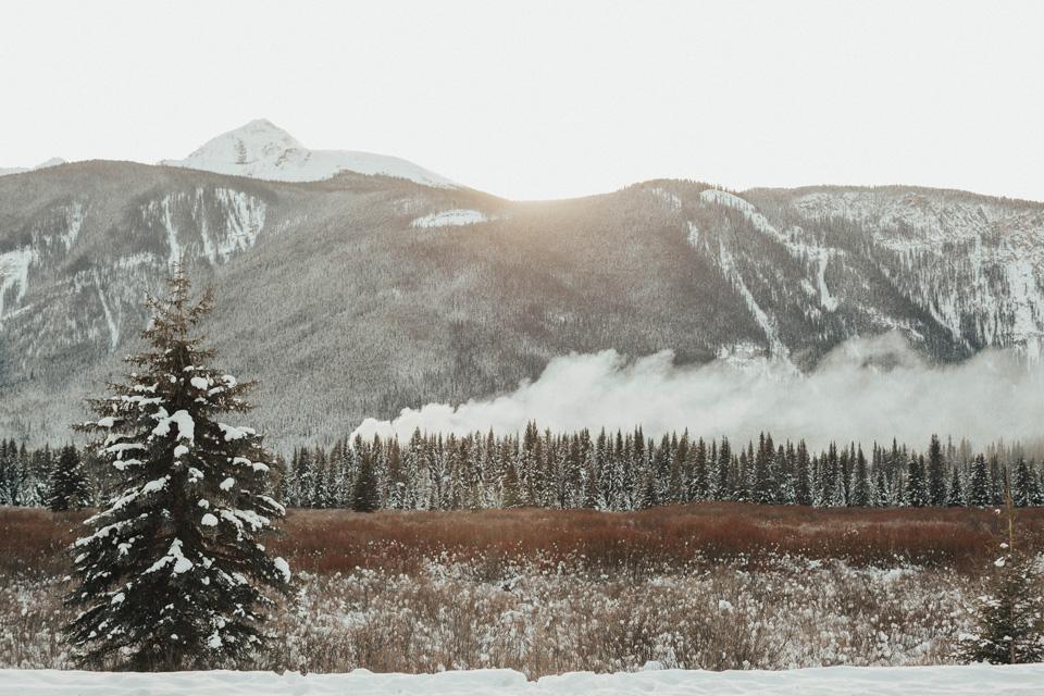 Winter Mountain Bohemain Bridal Inspiration - Michelle Larmand Photography - Banff Wedding Photography -038