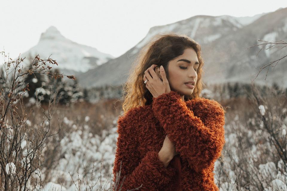 Winter Mountain Bohemain Bridal Inspiration - Michelle Larmand Photography - Banff Wedding Photography -039