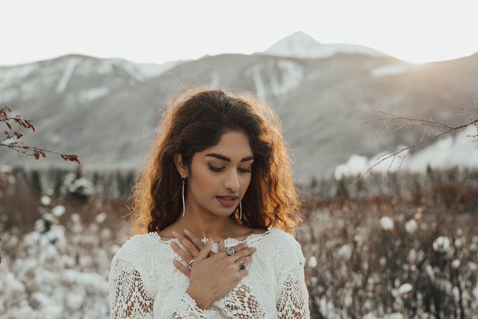 Winter Mountain Bohemain Bridal Inspiration - Michelle Larmand Photography - Banff Wedding Photography -040