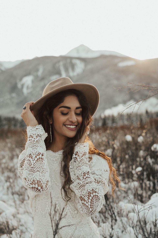 Winter Mountain Bohemain Bridal Inspiration - Michelle Larmand Photography - Banff Wedding Photography -043