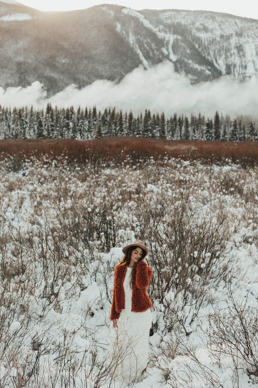 Winter Mountain Bohemain Bridal Inspiration - Michelle Larmand Photography - Banff Wedding Photography -048