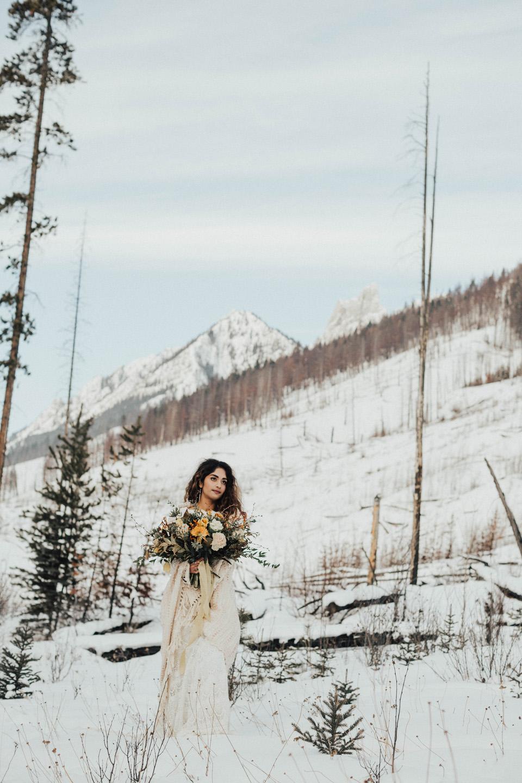 Winter Mountain Bohemain Bridal Inspiration - Michelle Larmand Photography - Banff Wedding Photography -055