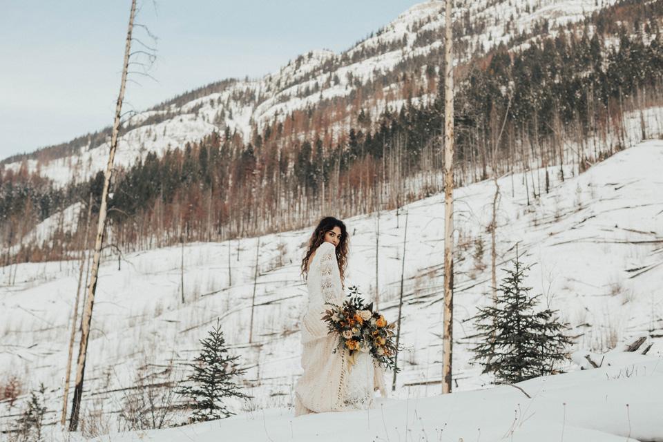 Winter Mountain Bohemain Bridal Inspiration - Michelle Larmand Photography - Banff Wedding Photography -057