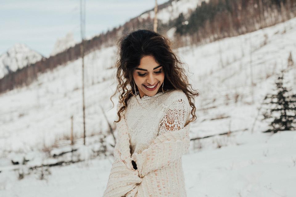 Winter Mountain Bohemain Bridal Inspiration - Michelle Larmand Photography - Banff Wedding Photography -060