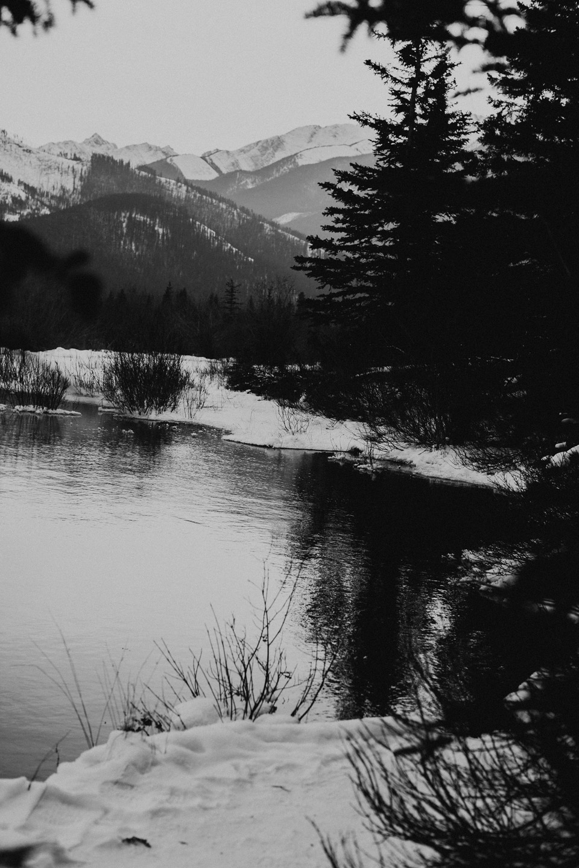 Winter Mountain Bohemain Bridal Inspiration - Michelle Larmand Photography - Banff Wedding Photography -063