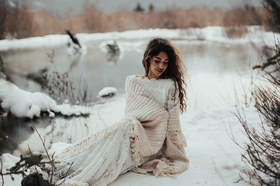 Winter Mountain Bohemain Bridal Inspiration - Michelle Larmand Photography - Banff Wedding Photography -064