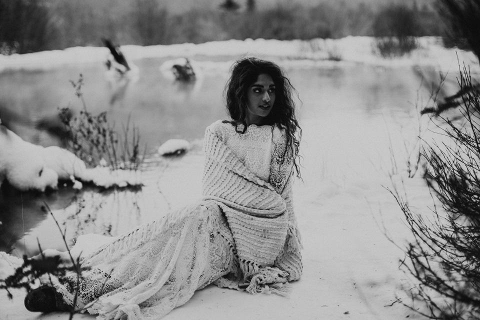 Winter Mountain Bohemain Bridal Inspiration - Michelle Larmand Photography - Banff Wedding Photography -066