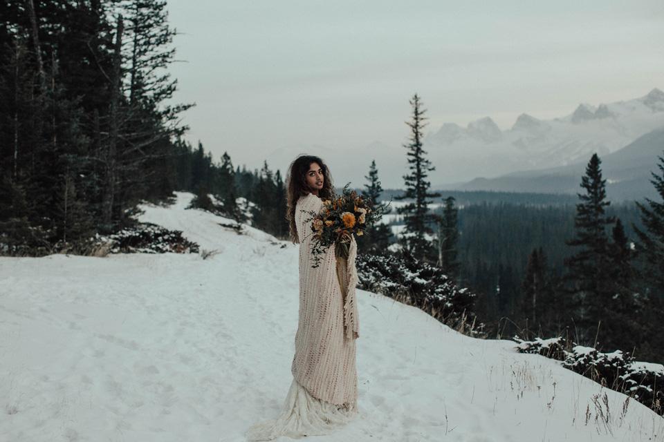 Winter Mountain Bohemain Bridal Inspiration - Michelle Larmand Photography - Banff Wedding Photography -080