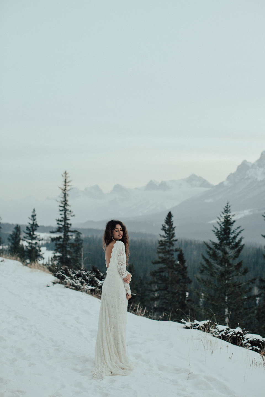 Winter Mountain Bohemain Bridal Inspiration - Michelle Larmand Photography - Banff Wedding Photography -084