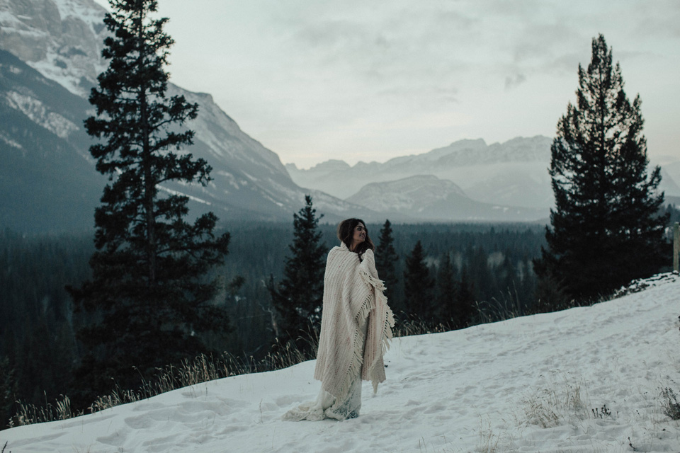 Winter Mountain Bohemain Bridal Inspiration - Michelle Larmand Photography - Banff Wedding Photography -091