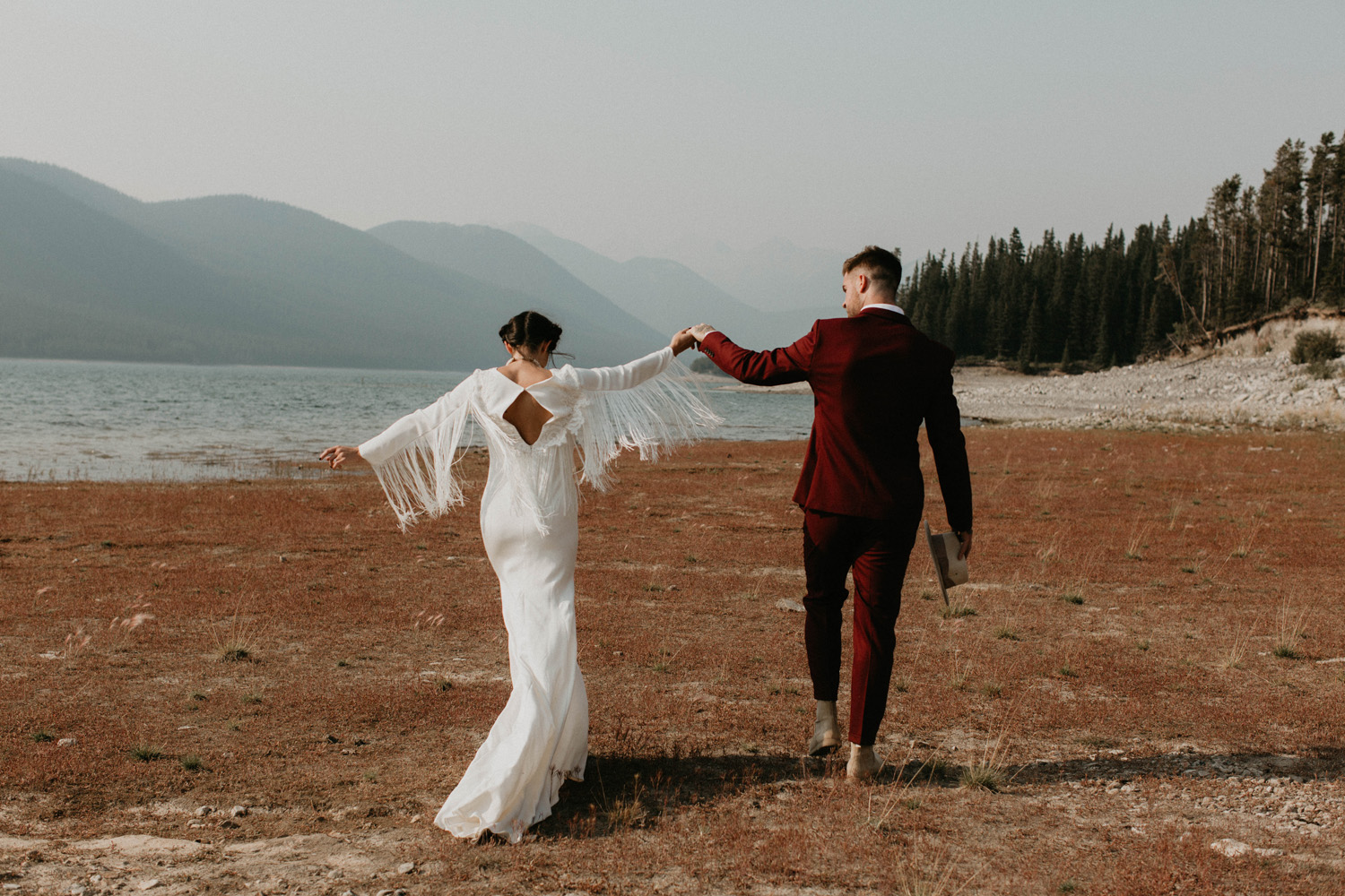 A couple eloping in Banff