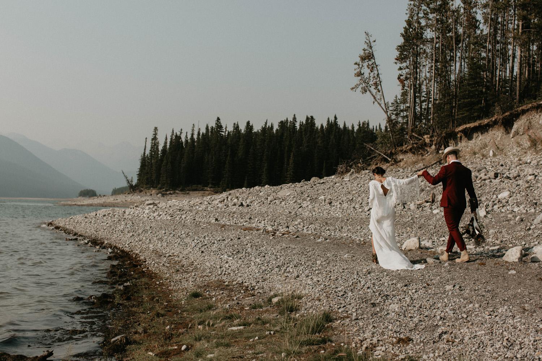 banff-elopement-photography-011.jpg