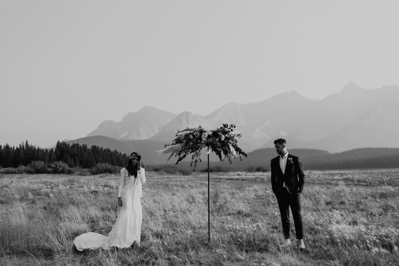 banff-elopement-photography-036.jpg