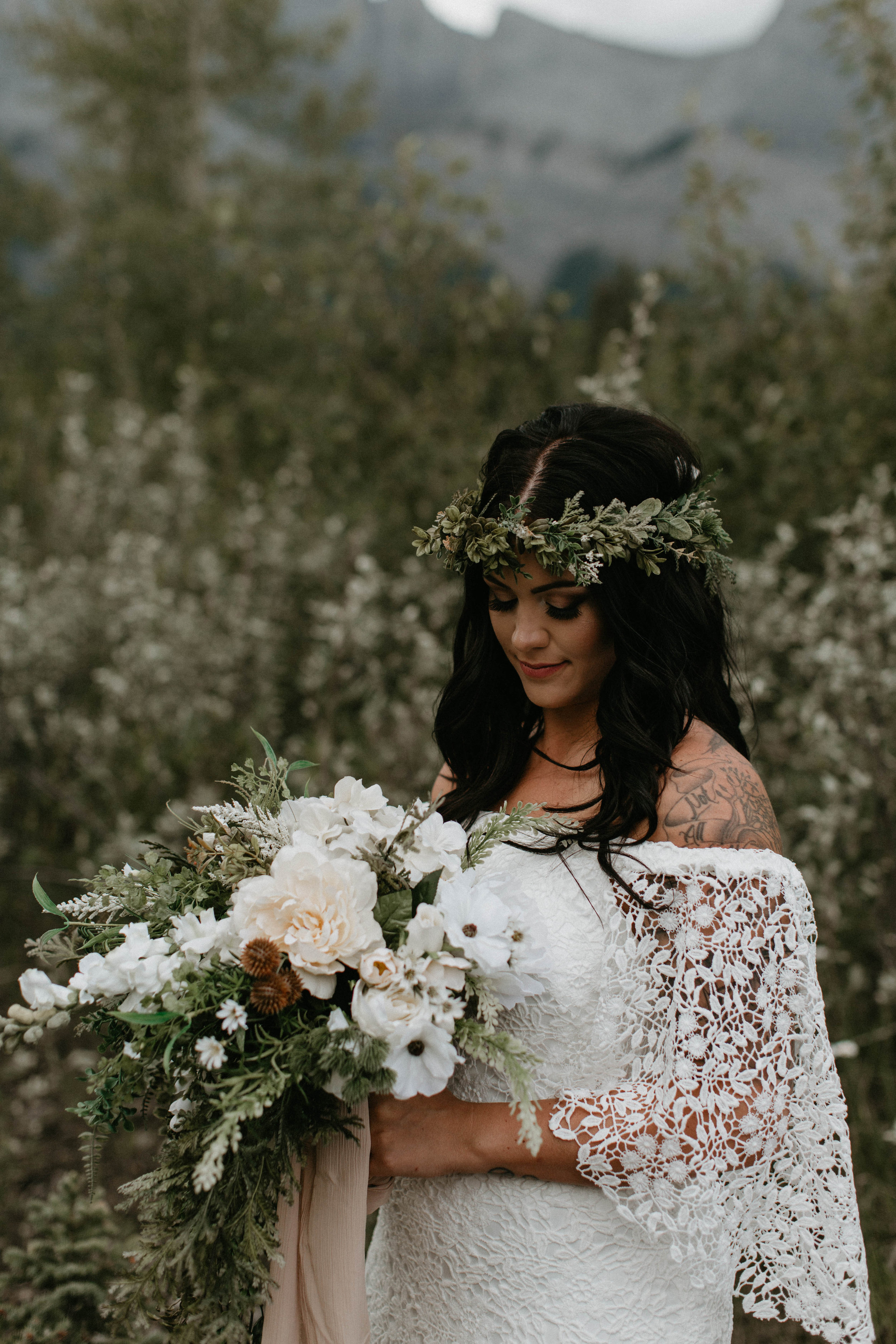 bride and groom portraits - Canmore, Alberta wedding   Michelle Larmand Photography