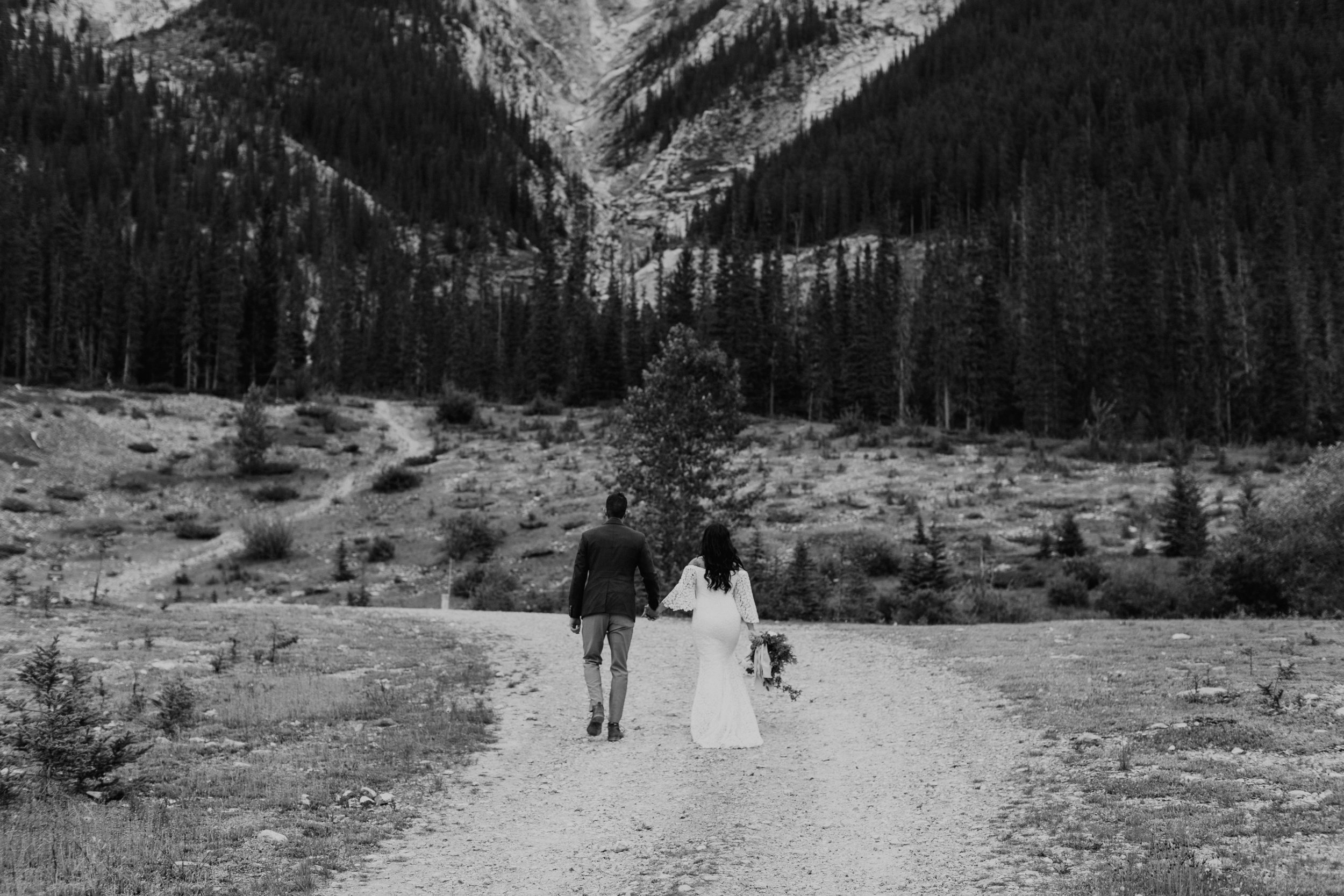 bride and groom portraits - Canmore wedding | Michelle Larmand Photography