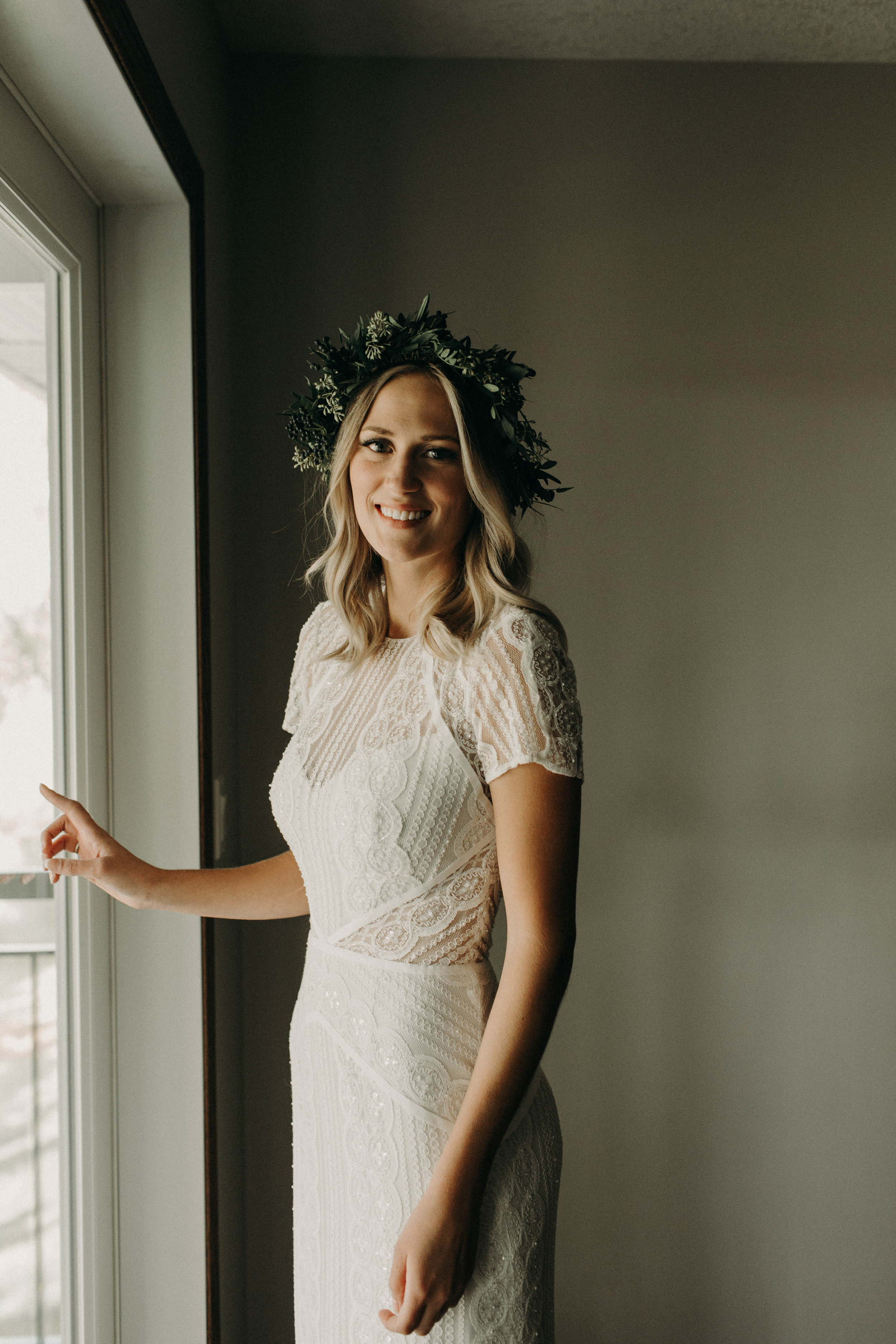 bride getting ready | Sherwood Park Backyard wedding Canada, Michelle Larmand Photography