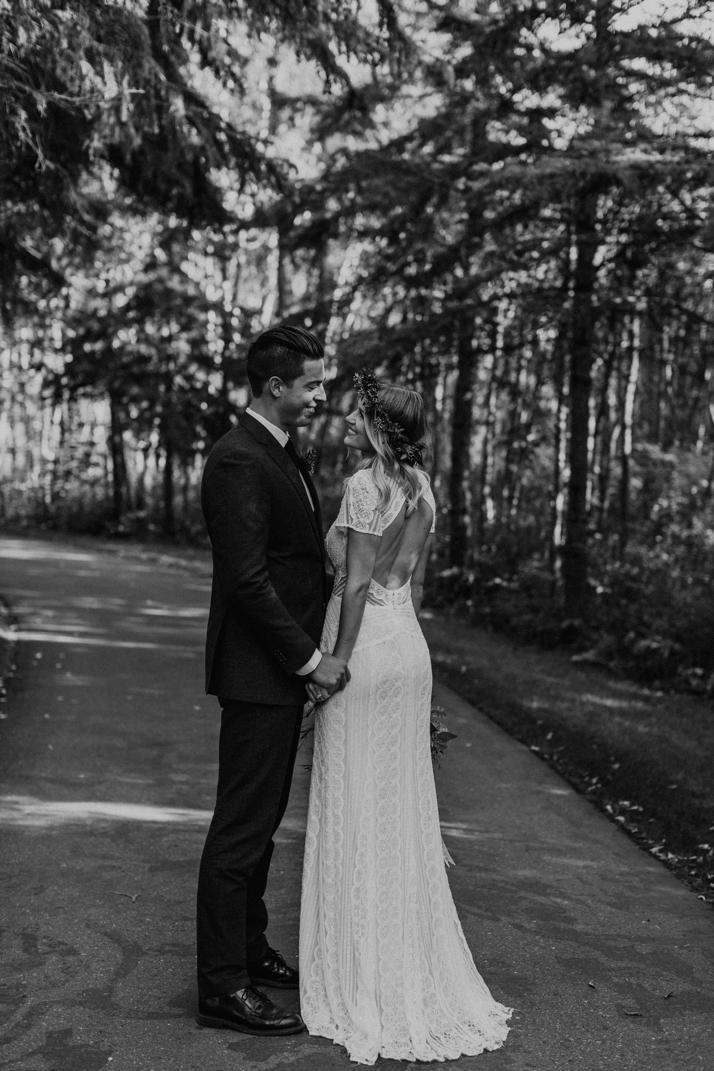 Bride and groom wedding day portraits | Sherwood Park Backyard wedding Canada, Michelle Larmand Photography