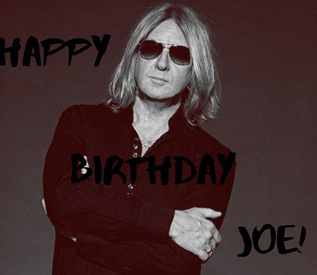 Happy 60th birthday to @defleppard frontman Joe Elliott!  #birthday #bday #classicrock #rockmusic #legend #defleppard #rockstar