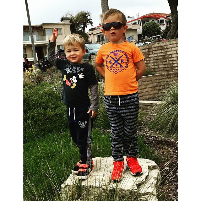 My boys are waiting for the sun to come out 😎 happy weekend! #maygray #happyweekend #friyay