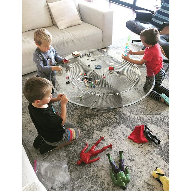 A rare moment captured of my three youngest playing nicely, together, and sharing 🙏🏻 of course they fight, they often remind me of 3 baby cubs, but they are growing and maturing 😊 Also: legos. It's starting. For the next 8 years, I am sure I will step on many pieces, find them everywhere, and my own LEGO craft will reach another level 🤣🤩 #boysboysboys #legos #masterbuilder