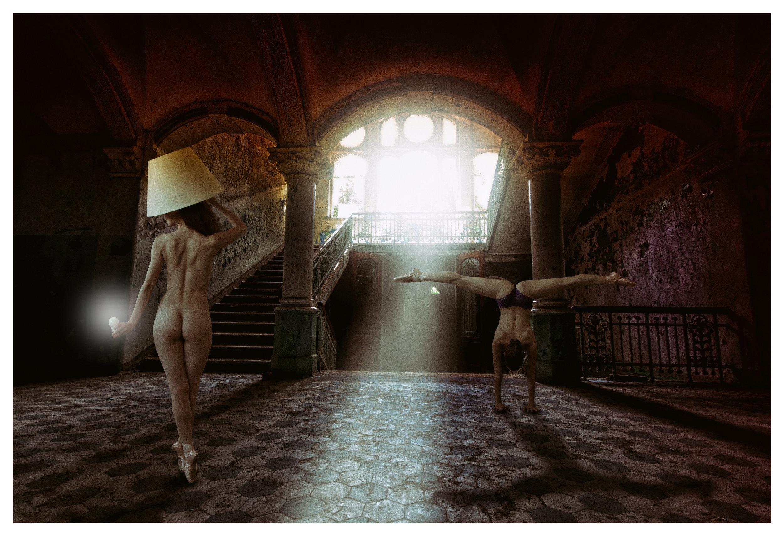 Dancing in the light. (2015)
