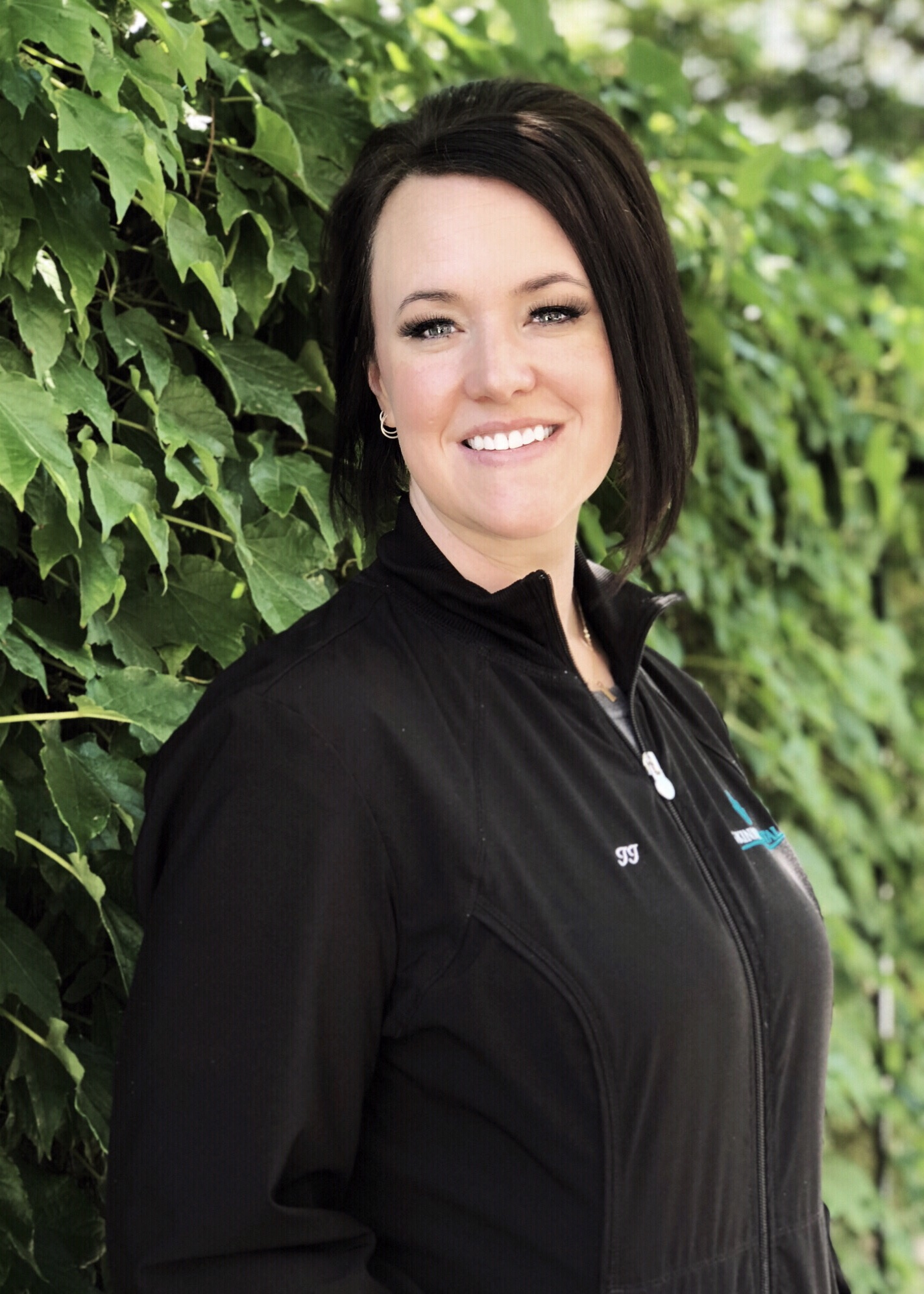 JJLead Dental Assistant - I am a Minnesota native and mother of 2 girls. I have been a practicing Dental Assistant for 15 plus years now. I enjoy learning new dental technology. My favorite part of dentistry is conversing with patients and patient education. Concerts, museums, documentaries, biographies are a few of the things that I enjoy!