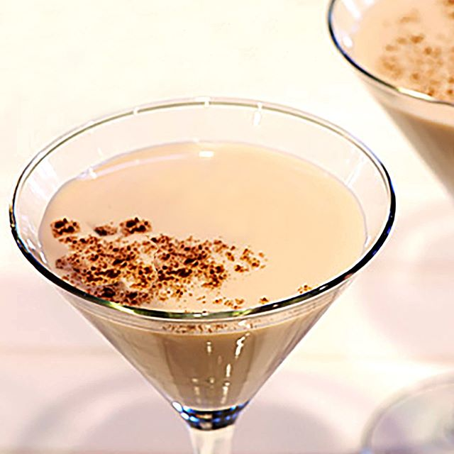 Our signature Chai Martini combines voyant chai, vanilla liqueur and home brewed chai tea, skillfully blended to perfection. #chaimartini #martini #calgaryfood‬ #calgaryfoodie‬ #calgary‬ #yycfood‬ #yyceats‬ #yycliving‬ #nawabrestaurantcalgary‬ #indianfood‬ #citypalate‬ #avenuemagazine‬ #avenuemagazinecalgary‬