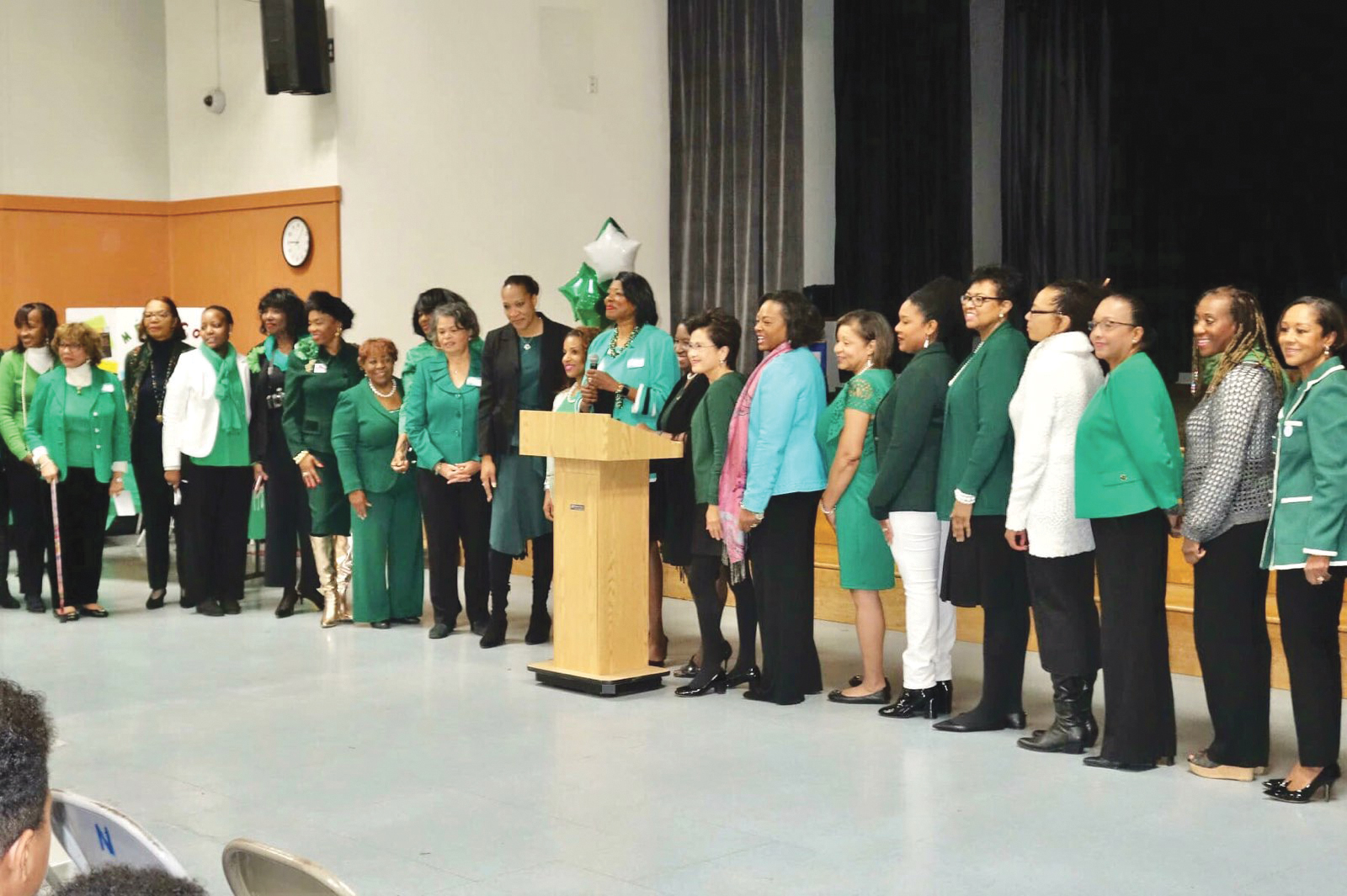 Mayor Karen Goh and members of The Links, Incorporated-pictured from left to right is Gredell Davis, Mary Tomlin, Ida Randall Richardson, Wangari Kihoro, Olivia Washington, Denise Norris, Essie Davis, Debra Strong, Zadie Hurd, Dena Freeman Patton, Michelle Shannon, Michele Burris, Odella Johnson, Mayor Karen Goh, Adrienne Konigar Macklin, Esq., Nancy Hill, Addonica Stanley, Jeanie Hill, Yolanda Harris, Karen Nealy, Dr. Stephany Powell, and Tammy Brown.
